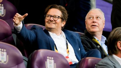 Coucke stemt in op verzoek fans: Anderlecht-voorzitter ontmoet paars-witte aanhang op parking Regenboogstadion