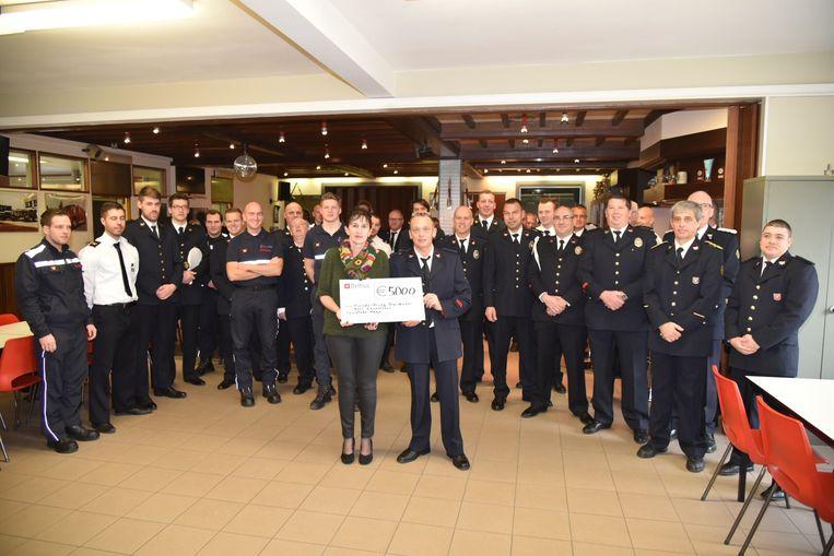 Cheque van 5000 euro voor Over-Hoop in Londerzeel