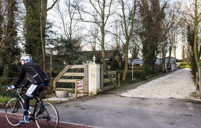 De Meern - De woning met praktijk aan de Zandweg van de omstreden natuurgeneeskundige die Sylvia Millecam onder behandeling had.