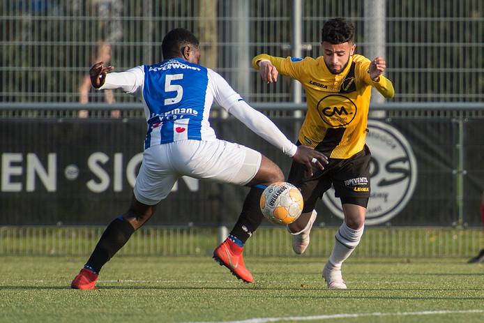 Paolo Fernandes in actie op het veld van Boeimeer.