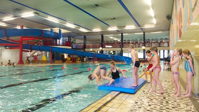 Zwembad valkenhuizen nog twee maanden dicht arnhem e o for Zwembad uden