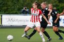 Joëlle Smits in het competitieduel Heerenveen-PSV.
