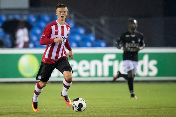 Albert Gudmundsson is al international, maar moet vermoedelijk nog even wachten op zijn debuut in PSV 1.