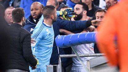 """Franse topper escaleert na provocerend gebaar Lyon-verdediger: """"Hij is een grote debiel"""""""