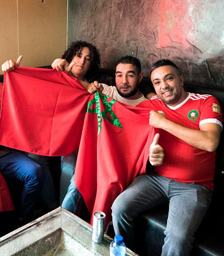 Teleurgestelde Marokko-supporters in Lombok, maar: 'we blijven altijd feesten'