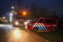 De hulpdiensten kwamen met spoed naar de jachthaven in Werkendam om de man uit het water te halen
