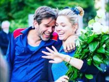Evi Hanssen ten huwelijk gevraagd door vriend Kurt: 'Ja, natuurlijk!'