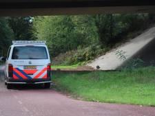 Politie druk met (mogelijke) explosieven op meerdere plekken