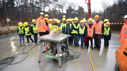 Vijfde leerjaar GBS De Lijsterboom bezoekt ecoduct in opbouw