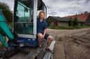 Er is genoeg te doen bij de boerderij van Arjen Verschure op Schokland.