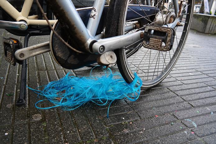 Pruik aan fiets in Breda- gevonden voorwerpen