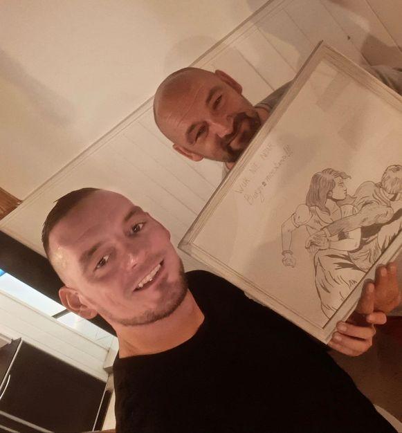 De parodie op de controversiële reclamecampagne van Bicky in de Wevelgemse hamburgerzaak Burgemeesters. Zaakvoerder Arie Maillard en cartoonist Bjorn de Pauw.