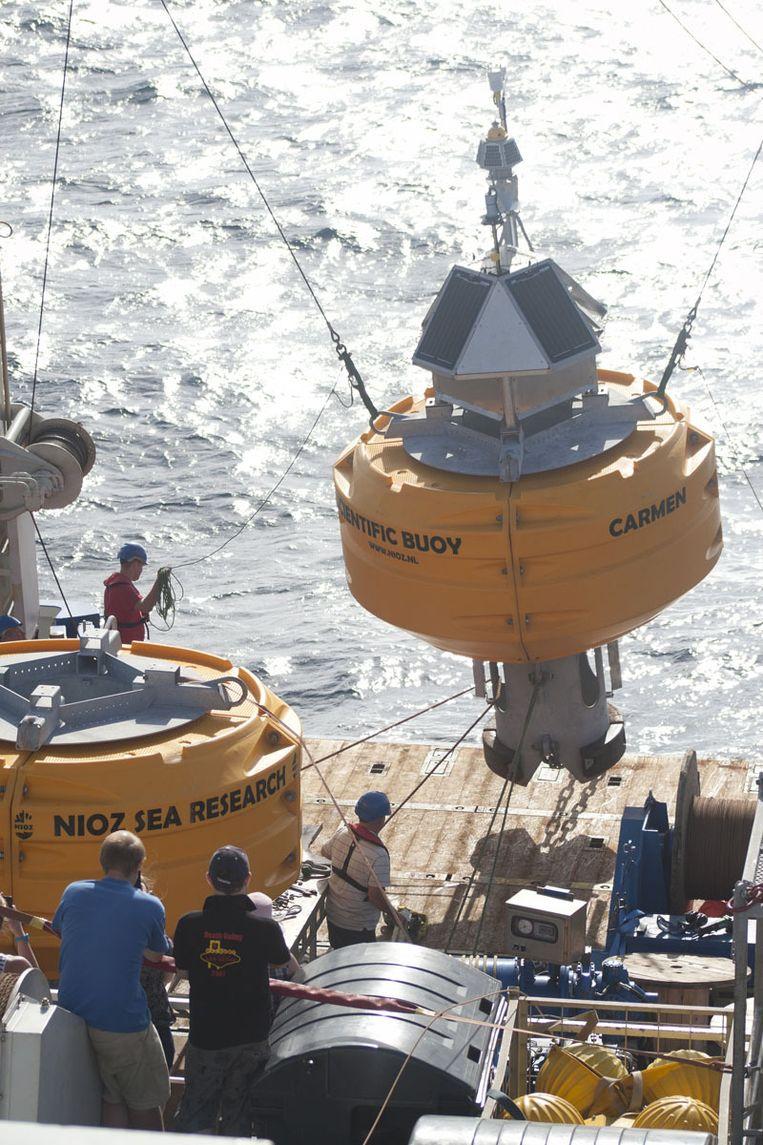 Carmen, de 'wetenschappelijke boei' gaat de zee in Beeld Ronald Veldhuizen