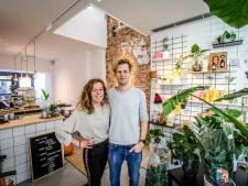 """Jong koppel opent originele tea-room in Mariastraat: """"Een stukje licht én groen in het midden van de binnenstad"""""""