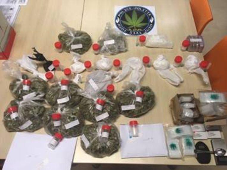 Drugs aangetroffen bij huiszoekingen in Peterboswijk