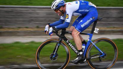 """Mens of motorfiets? Kasper Asgreen wint Kuurne-Brussel-Kuurne: """"Vorig jaar moest ik vooral op kop rijden"""""""