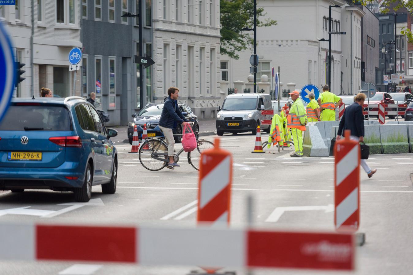 Verkeersmaatregelen op de Vestdijk in Eindhoven.