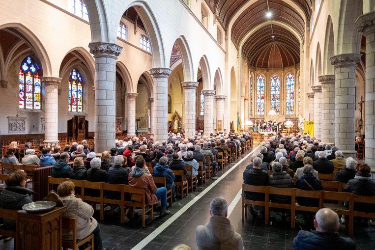 Begrafenis van de 107-jarige Annuska 'Anneke' Béber.