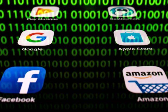 De regel dat multinationals alleen belasting betalen in landen waar ze fysiek aanwezig zijn, raakt steeds meer achterhaald in het tijdperk van internet.
