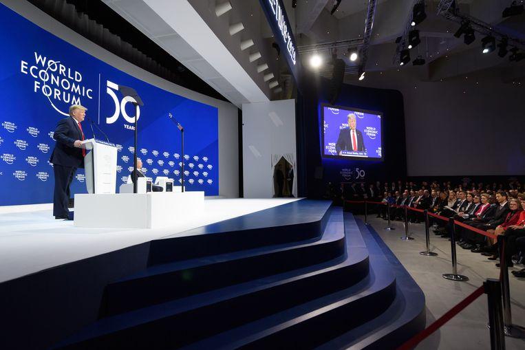 Donald Trump houdt een toespraak op het Wereld Economisch Forum in Davos. Beeld AFP