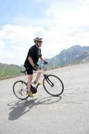 Maar dan is de accu leeg en moet Egbert Jan op de pedalen staan om vooruit te komen.
