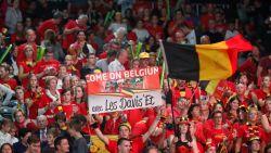 """'Saga Belgica', verkleed als Kuifje en Robbedoes: """"We gaan de Franse fans in het hol van de leeuw overstemmen"""""""
