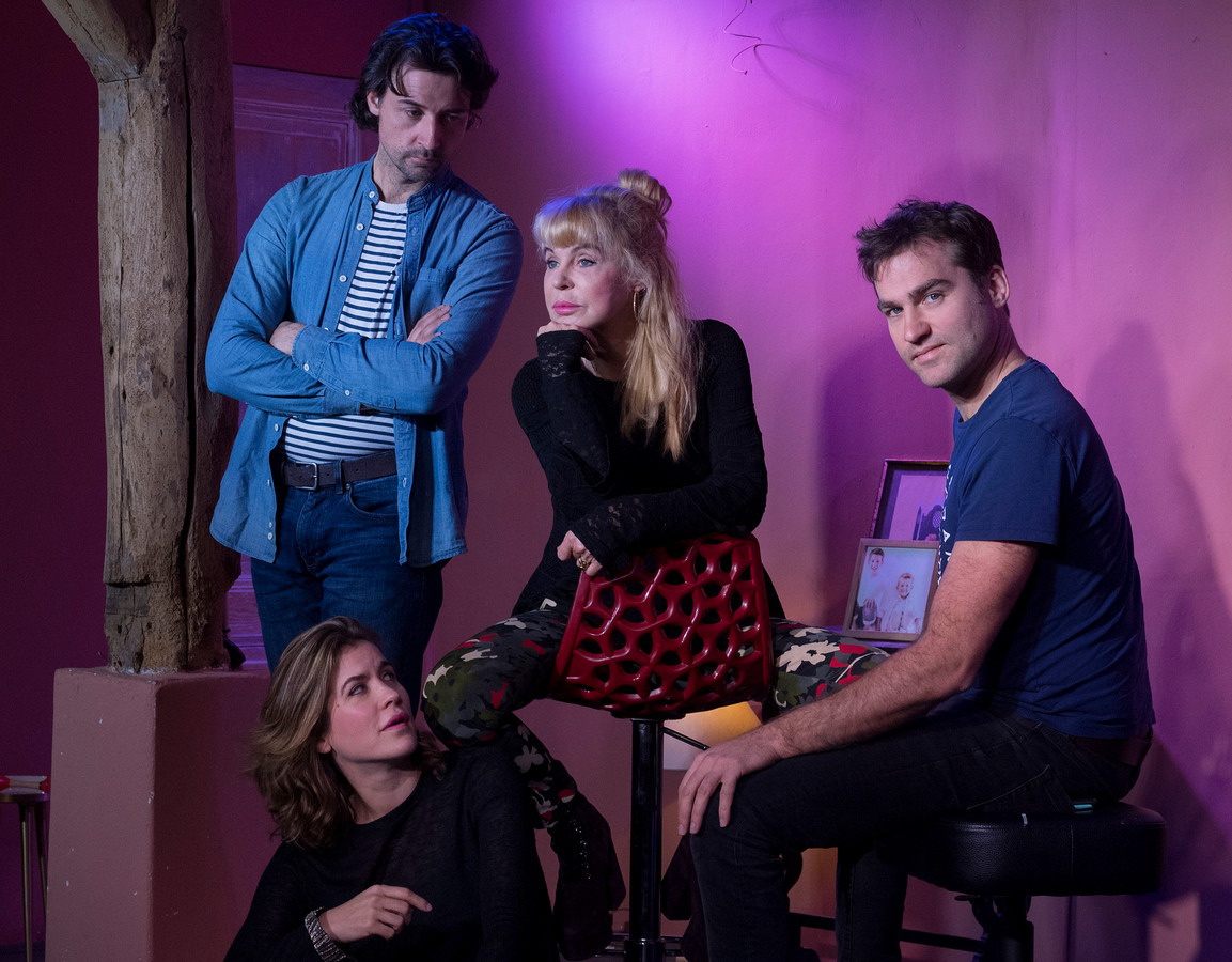 Theatergezelschap dementie v.l.n.r.: Misha, Sarah, Lydia en David.