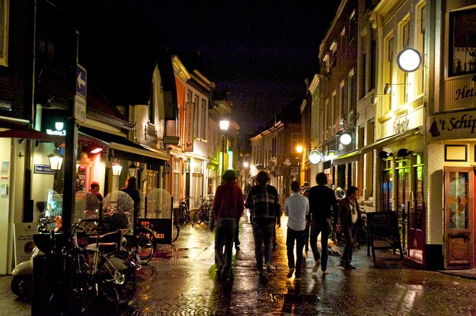 De politie houdt woensdag horeca-oefeningen in het Harderwijkse uitgaansgebied in de Vijhestraat en de Bruggestraat.