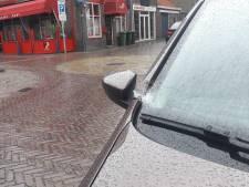 Meerdere auto's bekrast en vernield in Rhenen, 'Zou er iemand boos zijn?'