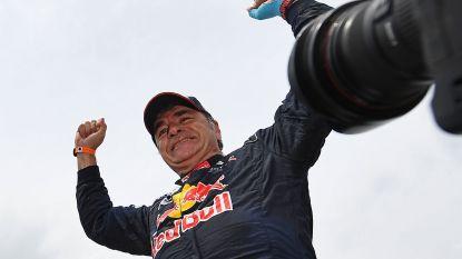 """Veteraan Carlos Sainz wint voor tweede keer Dakar, zoon is blij: """"Gefeliciteerd, matador!"""""""