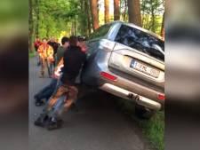 Justitie jaagt op vandalen die auto's van activisten omver gooiden in Boxtel