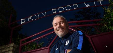 Trainer Groeneveld zegt derdedivisionist Goes af en blijft Rood-Wit trouw