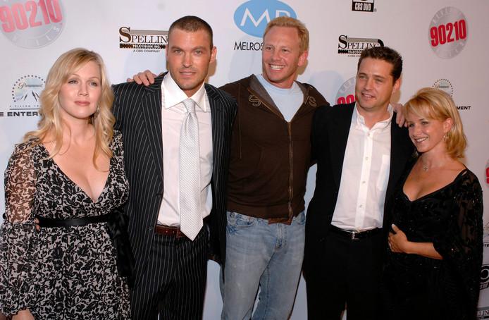 Jennie Garth, Brian Austin Green, Ian Ziering, Jason Priestley et Gabrielle Carteris
