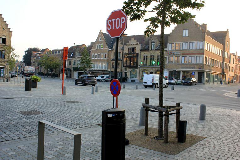 Deze situatie blijft van kracht. Je mag vanop dit kruispunt links afslaan richting Beerst, Leke en Keiem.