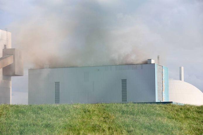 Veel rook bij de brand in de kolencentrale.