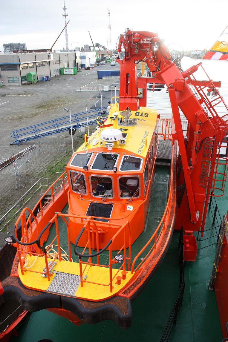Een van de 'safe transfer boats', die de technici tot vlak bij de windmolens brengen.