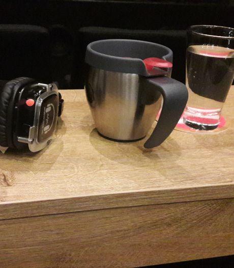 Avondje theater in coronatijd: vergeet niet je koffie van thuis mee te nemen!
