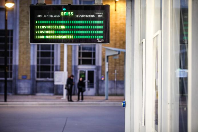 Brugge station staking