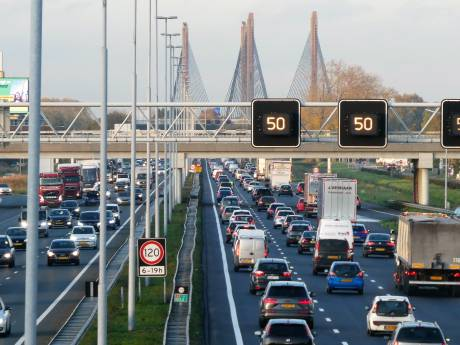 Nieuwe bruggen en asfalt lijken enige oplossing voor fileleed op A2: 'We staan met de rug tegen de muur'