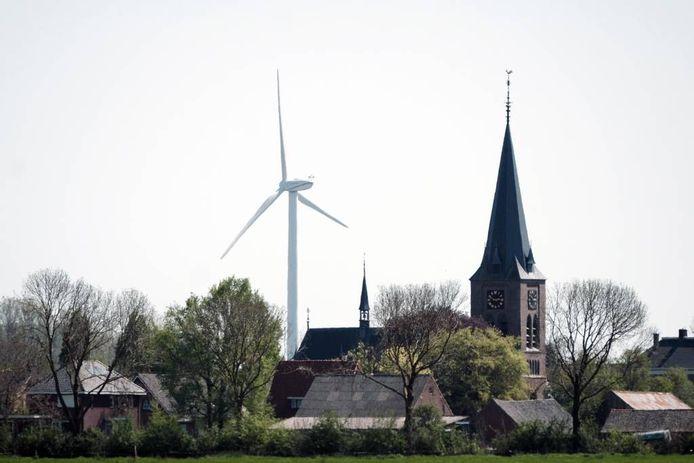 Een windmolen bij Emmerik is al onderdeel van de 'skyline' van Netterden.