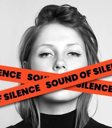 """Pourquoi votre fil Facebook est rempli d'images barrées par les mots """"sound of silence"""""""