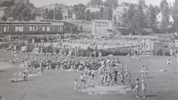 Het Wageningse zwembad, ruim een halve eeuw geleden