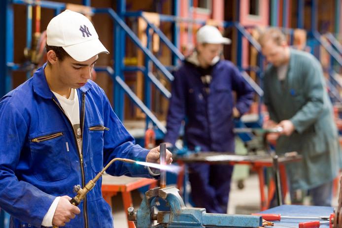 ROERMOND - Leerlingen van het ROC Gilde techniek, opleiding installatietechniek.