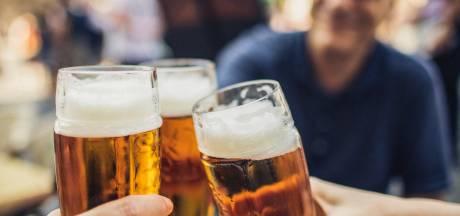 """Tombée dans l'alcoolisme à 22 ans, elle raconte: """"C'est monté crescendo, je buvais tous les jours"""""""