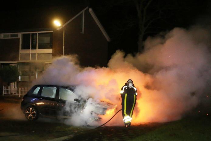 De vijfde bedrijfsauto die zaterdagavond in brand staat in Den Bosch.