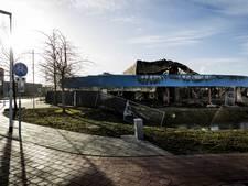 Sloophamer staat al tegen oude zwembad Culemborg