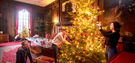 Middachten net weer anders in kerstsfeer: 'Wat dacht je van mijn hangende kerstboom?'