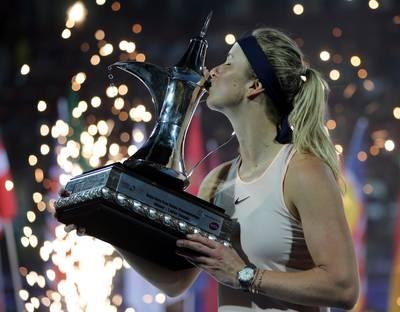 Svitolina mag grote trofee in Dubai wederom kussen