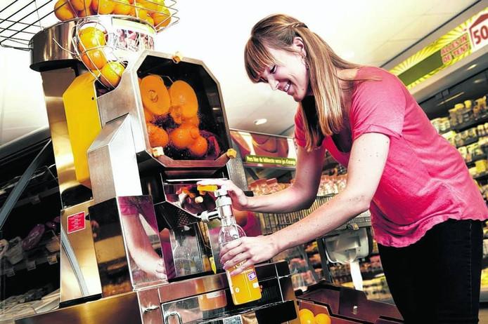 Persmachines om zelf jus d'orange te maken zijn een grote hit in supermarkten.