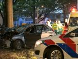 Man overlijdt na aanrijding tegen boom in Tilburg